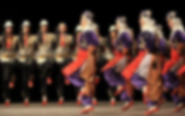 Macaristan'a iltica eden folklorcular için flaş hamle
