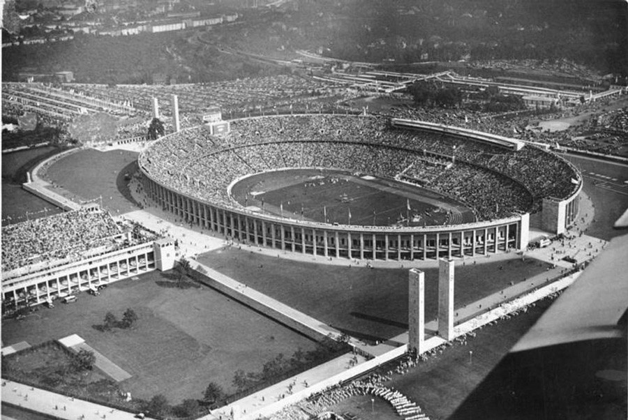 nazi aesthetic olympics berlin 1936 At the berlin 1936 olympics, hitler planned to show the world that the aryan people were the dominant race, jesse owens proved him wrong and sealed his place in olympic history by becoming the most successful athlete of the 1936 games.