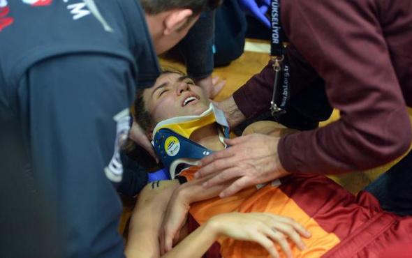 Galatasaraylı oyuncu hastanelik oldu