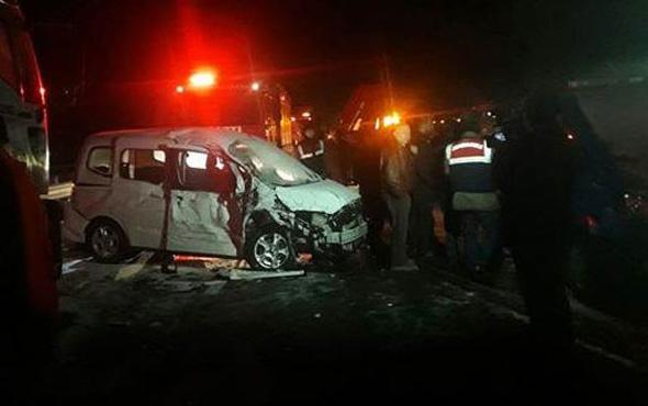 Kütahya'da korkunç kaza: 2 ölü 13 yaralı