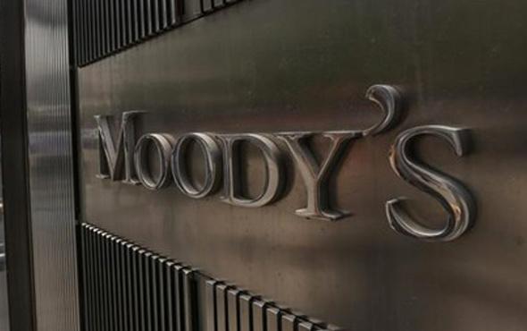 Moody's Türkiye kredi notunu düşürdü
