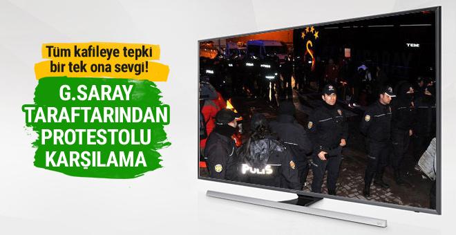 Galatasaray kafilesine protestolu karşılama!