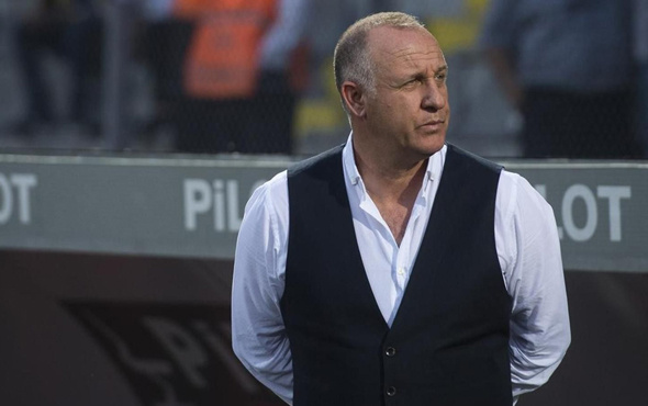 Mesut Bakkal görevinden istifa etti