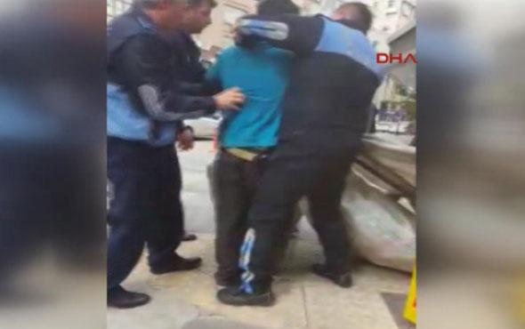 Zabıtalar Suriyeli gencin el arabasını alınca...