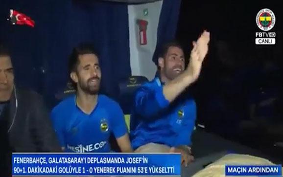 F.Bahçeli futbolcuların galibiyet türküsü: Mihriban