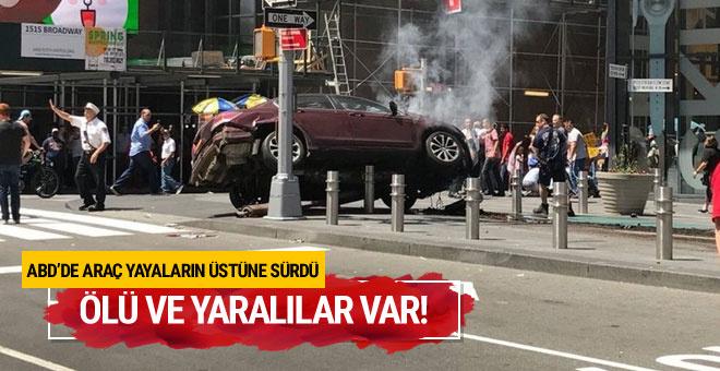 Times Meydanı'nda araç yayalara çarptı! Çok sayıda yaralı