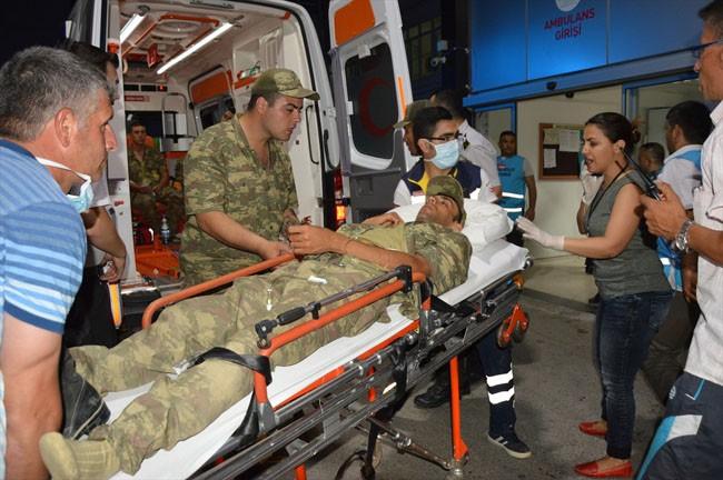 Manisa'da yine askerler zehirlendi!