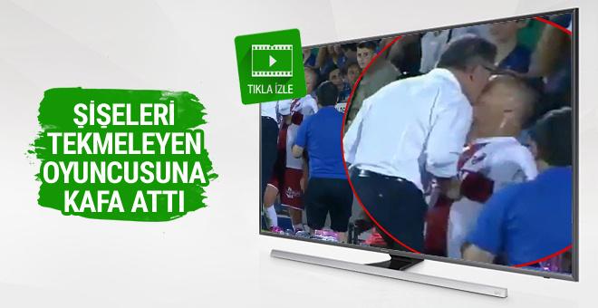 Huesca hocası şişeleri tekmeleyen oyuncusuna kafa attı