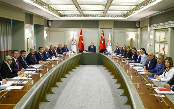 AK Parti'de Erdoğan başkanlığında kritik toplantı başladı