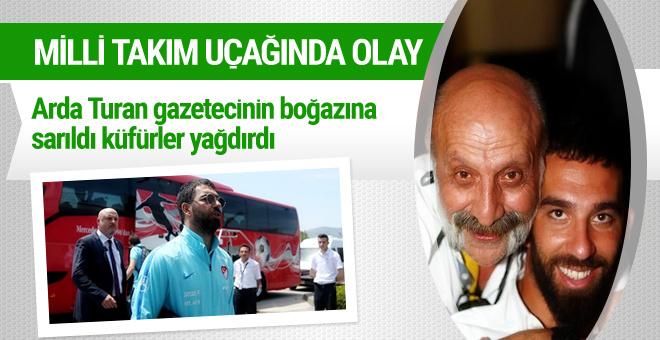 Arda Turan gazeteci Bilal Meşe'ye öyle küfürler etti ki...