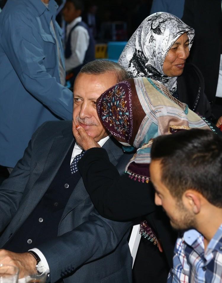 Abdullah Gül ve Erdoğan birlikte iftar yaptı