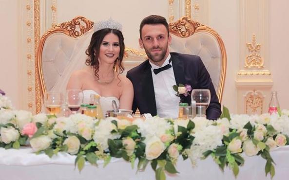 Vedat Muriç Kosova'da dünyaevine girdi