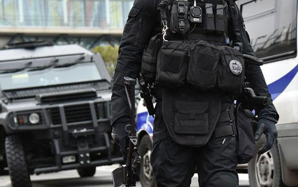 Paris'te terör alarmı verildi!