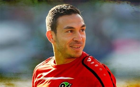 Mevlüt Erdinç, transferini Chedjou'yu arayarak duyurdu