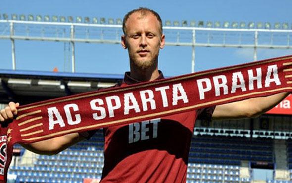 Semih Kaya resmen Sparta Prag'da