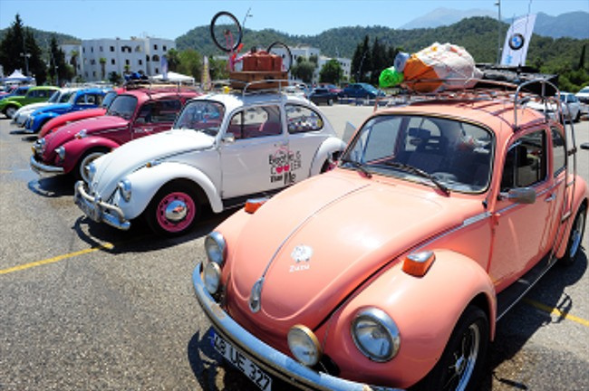 Kemer Otomobil Festivali'ne Ejder Yalçın damgası