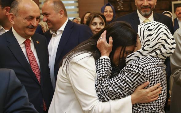 Jülide Sarıeroğlu'nu alnından öpen kadın!
