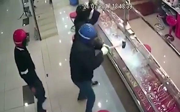 Hırsızlara sinir krizi geçirten kırılmaz cam