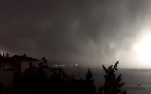 Korku filmi gibi! Fırtınadan en çok paylaşılan görüntü