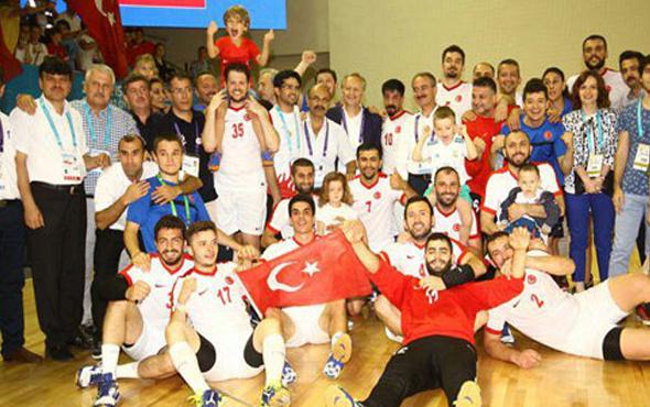 Milliler Rusya'yı devirerek şampiyon oldu!