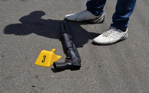 Diyarbakır karıştı önce yakınlarına sonra polise kurşun yağdırdı