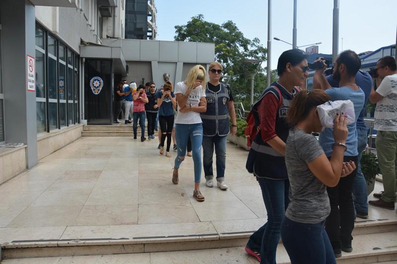 Bursa'da ruletli transferli fuhuş çetesi