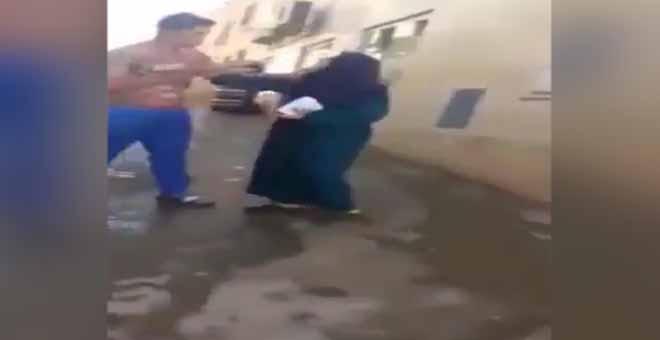 Oğluna kafa atan anne sosyal medyayı salladı!