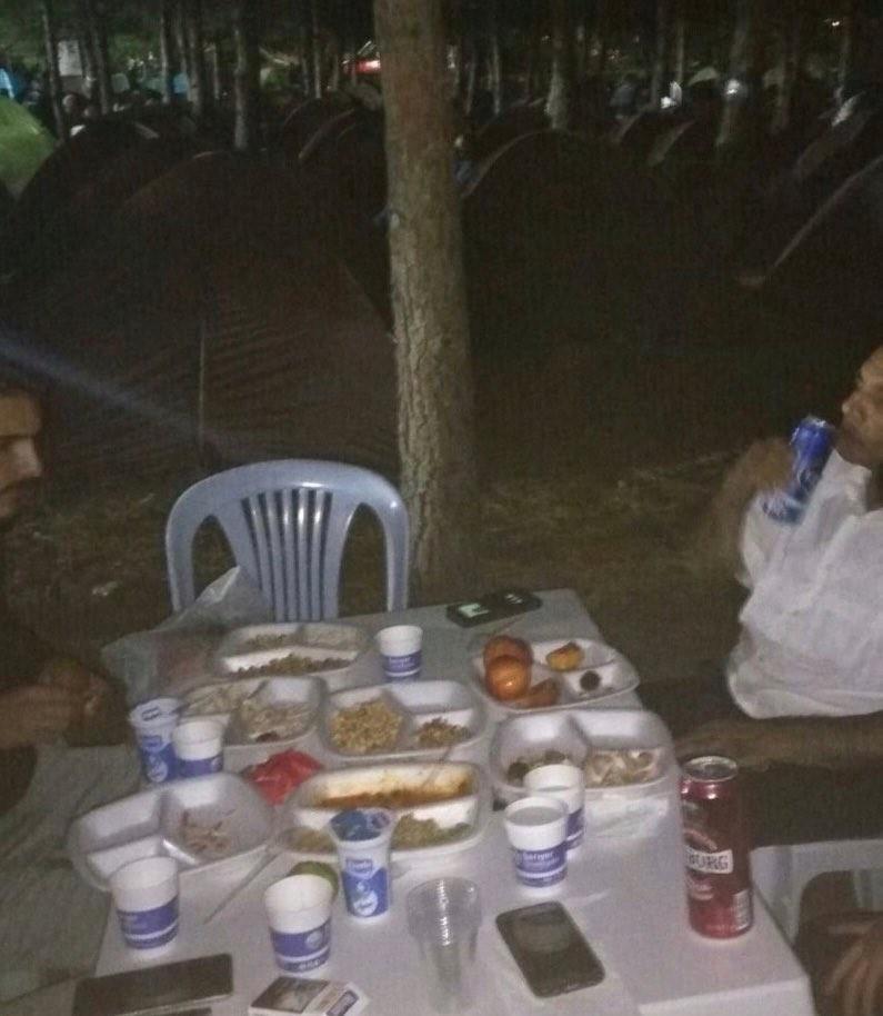 Kim takar içki yasağını CHP'lilerin şehitlikteki skandal görüntüleri