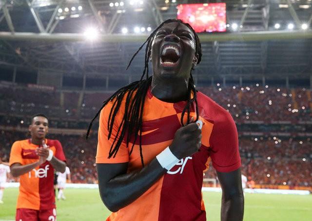 Aleyna Tilki'den Galatasaray'a kıyak!