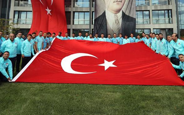 Milliler 30 Ağustos Zafer Bayramı'nı kutladı