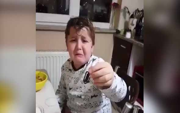 Aldığı hediyeyi beğenmeyen çocuk izleyenleri güldürdü
