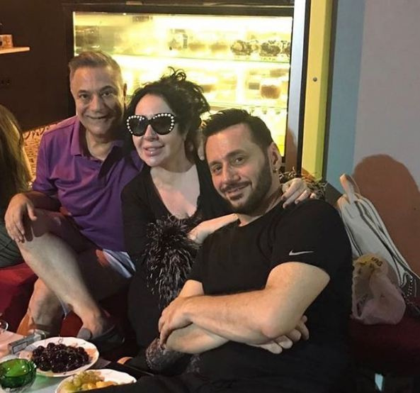 60 yaşındaki Mehmet Ali Erbil'in 22 yaşındaki sevgilisi Esra Erdoğan'a bakın
