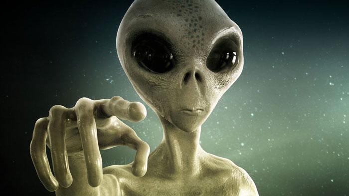 Kanada Savunma Bakanı'ndan sarsıcı iddia ' Dünyada 82 tür uzaylı var'