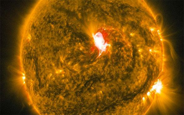 Güneş'te bir büyük patlama daha meydana geldi
