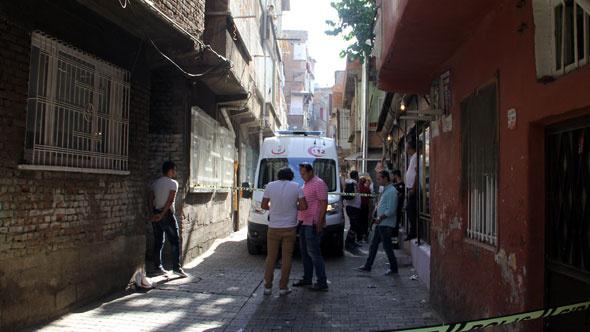 Diyarbakır'da evde patlama bir kadın yaralı