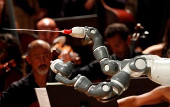 Yapay zeka YuMi orkestra şefi oldu