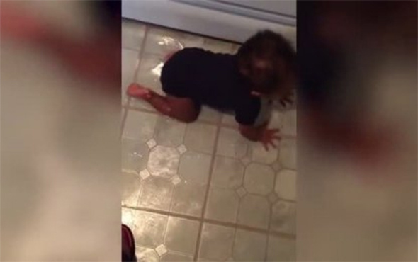 Yağı döken bebeğin annesinden kaçamaması