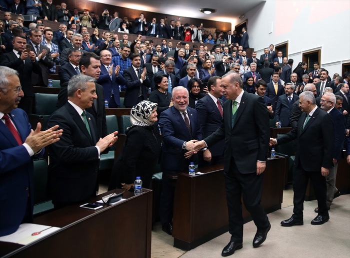 Erdoğan konuşurken küçük çocuk Tayyip amca diye seslenince...