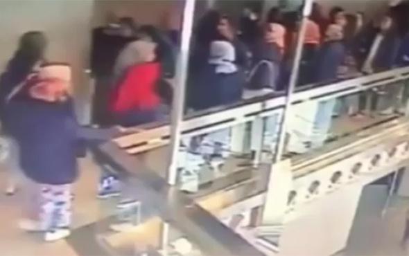 Borsa binasının asma katı çöktü: 77 yaralı!