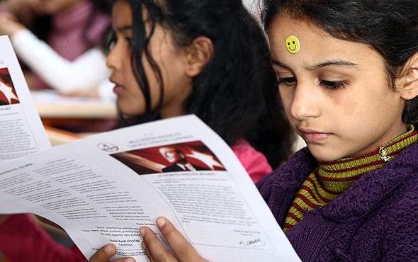 600 binin üzerinde Suriyeli öğrenci karne alacak