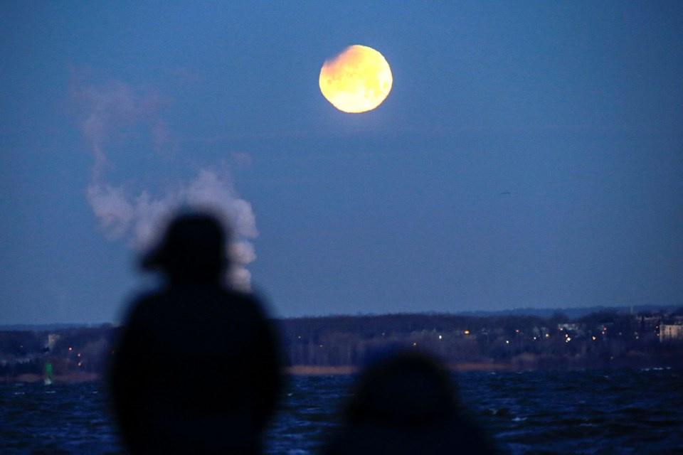 Süper Kanlı Mavi Ay Tutulması'ndan muhteşem kareler