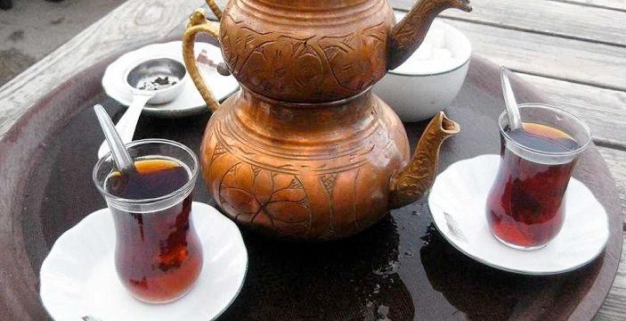 Çay demleme şampiyonu doğru bilinen yanlışı açıkladı