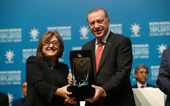 """Fatma Şahin, """"İşimiz Gücümüz Gaziantep"""" sloganıyla şehre sınıf atlattı"""