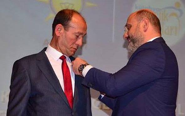 Belediye başkanı CHP'den AK Parti'ye geçti