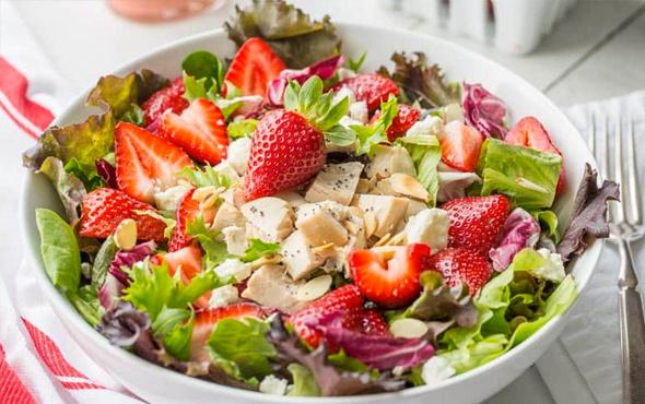 Yunan salatası nasıl yapılır?