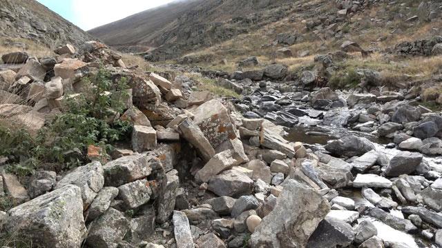 Köylüler şaşkın! 300 yıllık tarihi köprü bir anda ortadan kayboldu