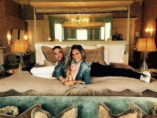 İngiliz şarkıcı Robie Williams'dan Türk eşi Ayda'ya büyük jest!