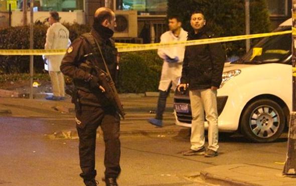 Bahçelievler'de silahlı kavga: 1'i polis 3 yaralı