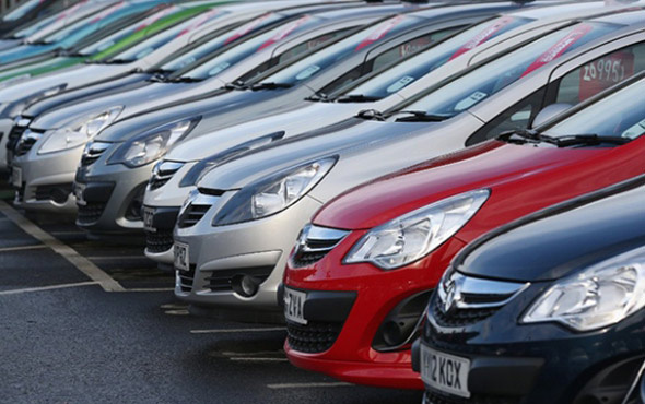 İran'da ambargo sonrası otomobil üretimine darbe