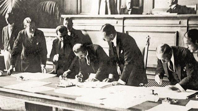 Lozan Anlaşması'nın orjinali ilk kez gün yüzüne çıktı işte fotoğrafları